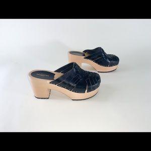 Swedish Hasbeens huarache black woven clogs 37
